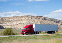 Expert Tips to Choose the Right Heavy Haul Trucking